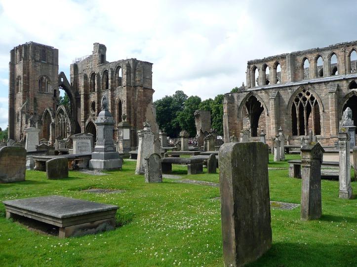 kostel-ve-skotsku-architektura